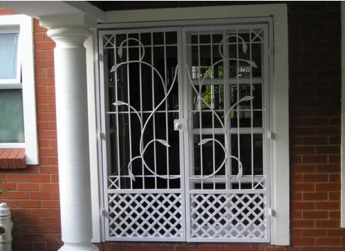 White Leaf stemmed patterened security gate