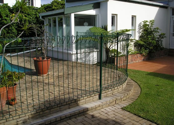 Safe swimming pool fencing by manufactured by Twisted Steel